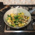 Пиле с броколи и зеленчуци