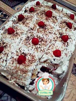 Сметанова торта с ягоди