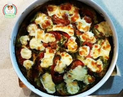 Тиквички с домати и топено сирене на фурна
